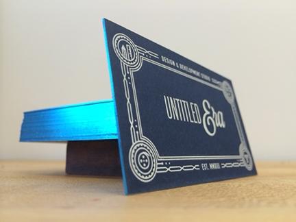 Carte de visite avec dorure bleue sur tranche