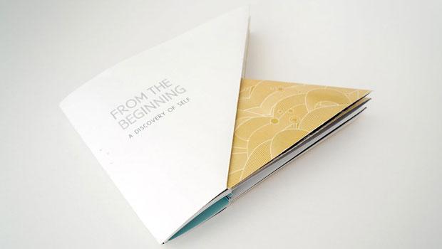 Brochure origami par Yulee Harris Design