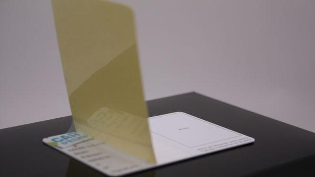 Carte plastique avec overlay (rabat transparent)