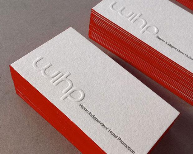 Gaufrage (logo) et débossage (texte) avec dorure sur tranche et contre-collage pour cette carte de visite