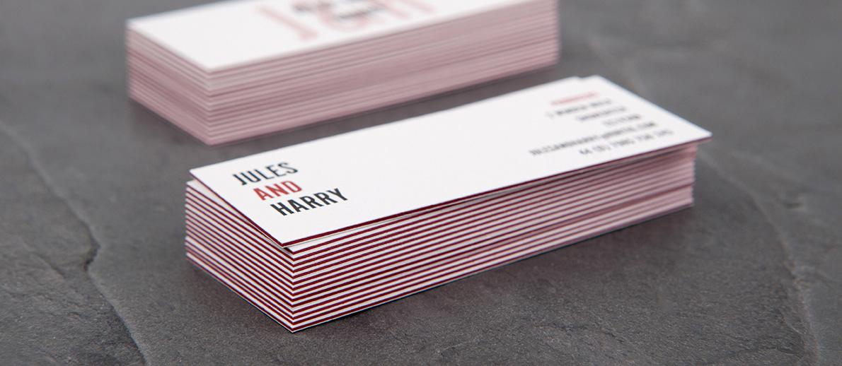 Cartes avec tranches rouges