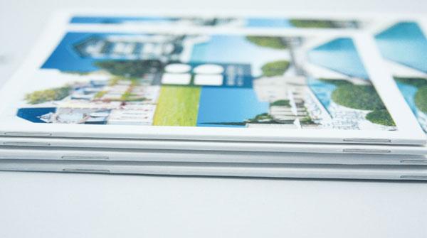 Brochure dos carré collé agrafé