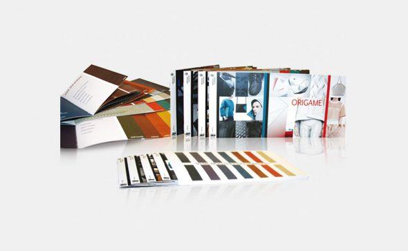 Brochures agrafées avec fourreau